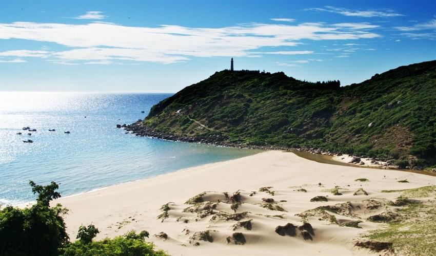 Thuê xe du lịch uy tín đi Khánh Hòa tour du lịch bờ biển Đại Lãnh
