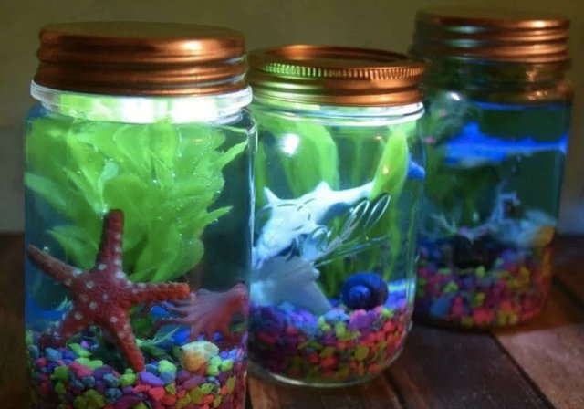 light-up-mason-jar-aquariums-the-tiptoe-fairy.jpg