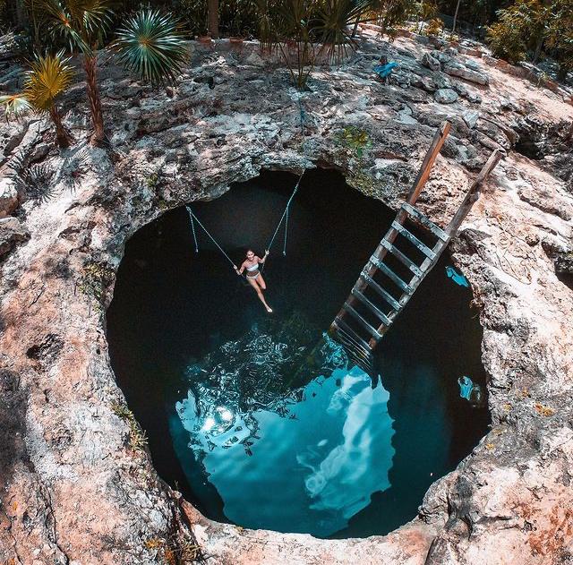Cenote Calavera, Tulum, México
