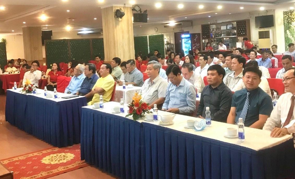 4. Các đại biểu tham dự buổi lễ