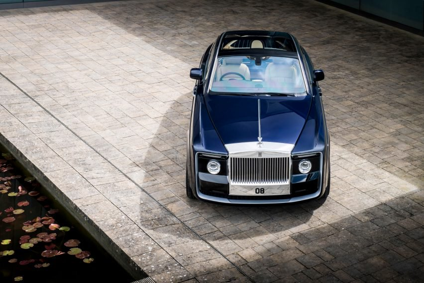 rolls-royce-sweptail-design-transport-cars_dezeen_2364_col_3-852x568.jpg