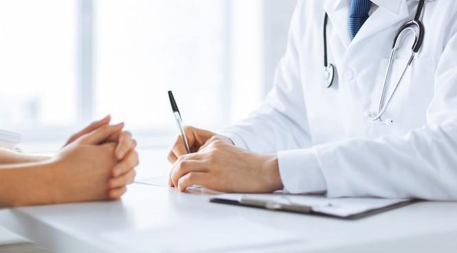 Đi khám sức khỏe định kỳđể phát hiện và điều trị kị thời ung thư