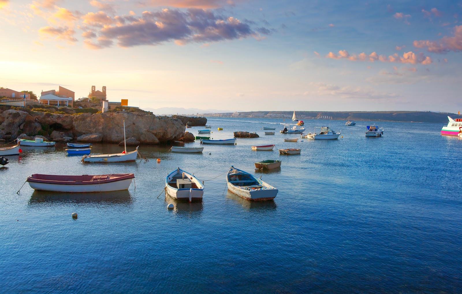 Venez visiter la ville d'Alicante et voguez pendant 4 jours le long de la Costa Blanca.