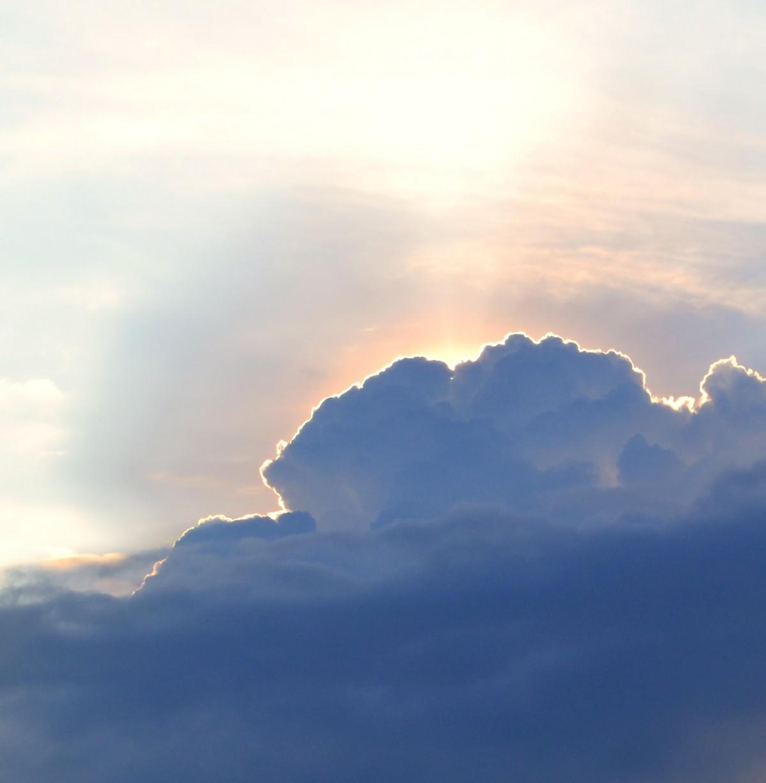 horizon lumière nuage ciel Soleil lever du soleil le coucher du soleil lumière du soleil nuageux Matin Aube atmosphère en volant crépuscule soir réflexion cumulus ciel nuageux miracle Après-lune Phénomène météorologique Phénomène atmosphérique Atmosphère de la terre