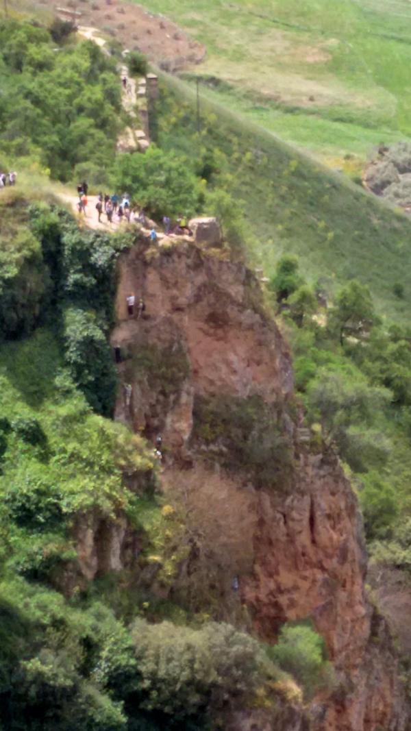 El Tajo gorge from Puente Nuevo, Chabad group_w600.jpg
