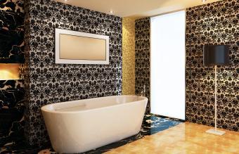 حمام با کاغذ دیواری لوکس