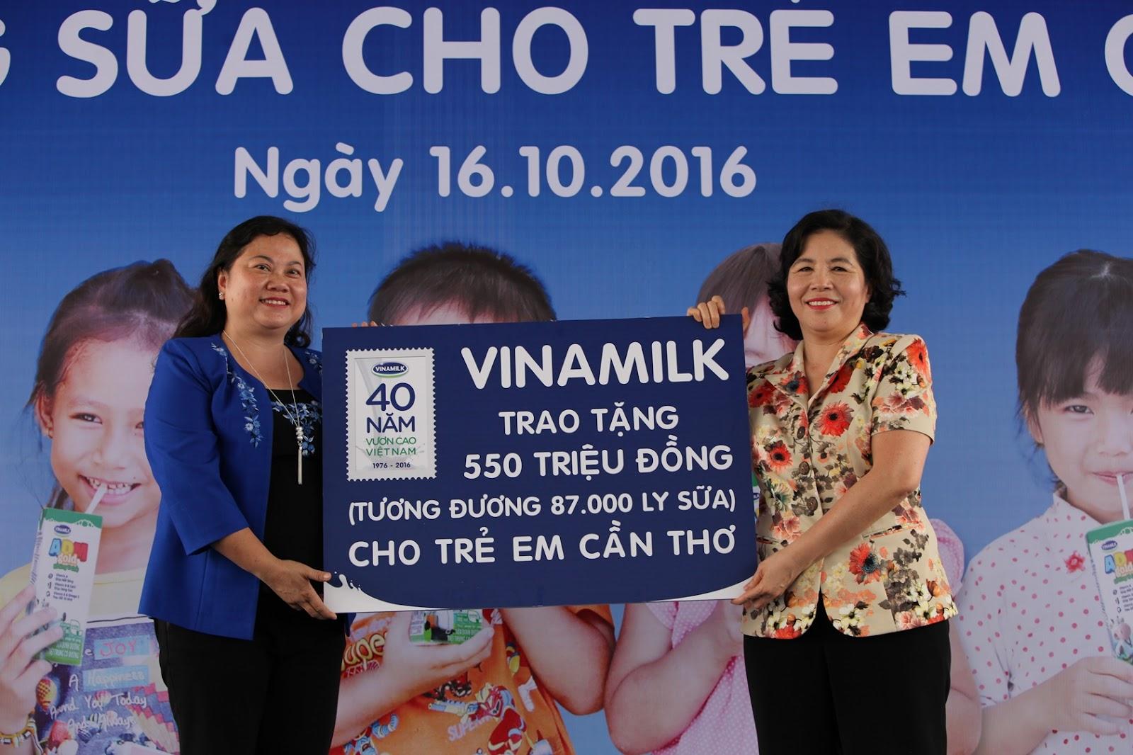 Trong hành trình 12 năm Vinamilk và Quỹ sữa Vươn Cao Việt Nam đã trao tặng 35 triệu ly sữa cho 441 ngàn trẻ em khó khăn trên khắp Việt Nam.