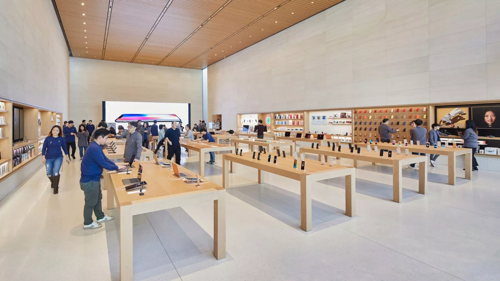 What Can You Learn from Apple's Retail Experience?