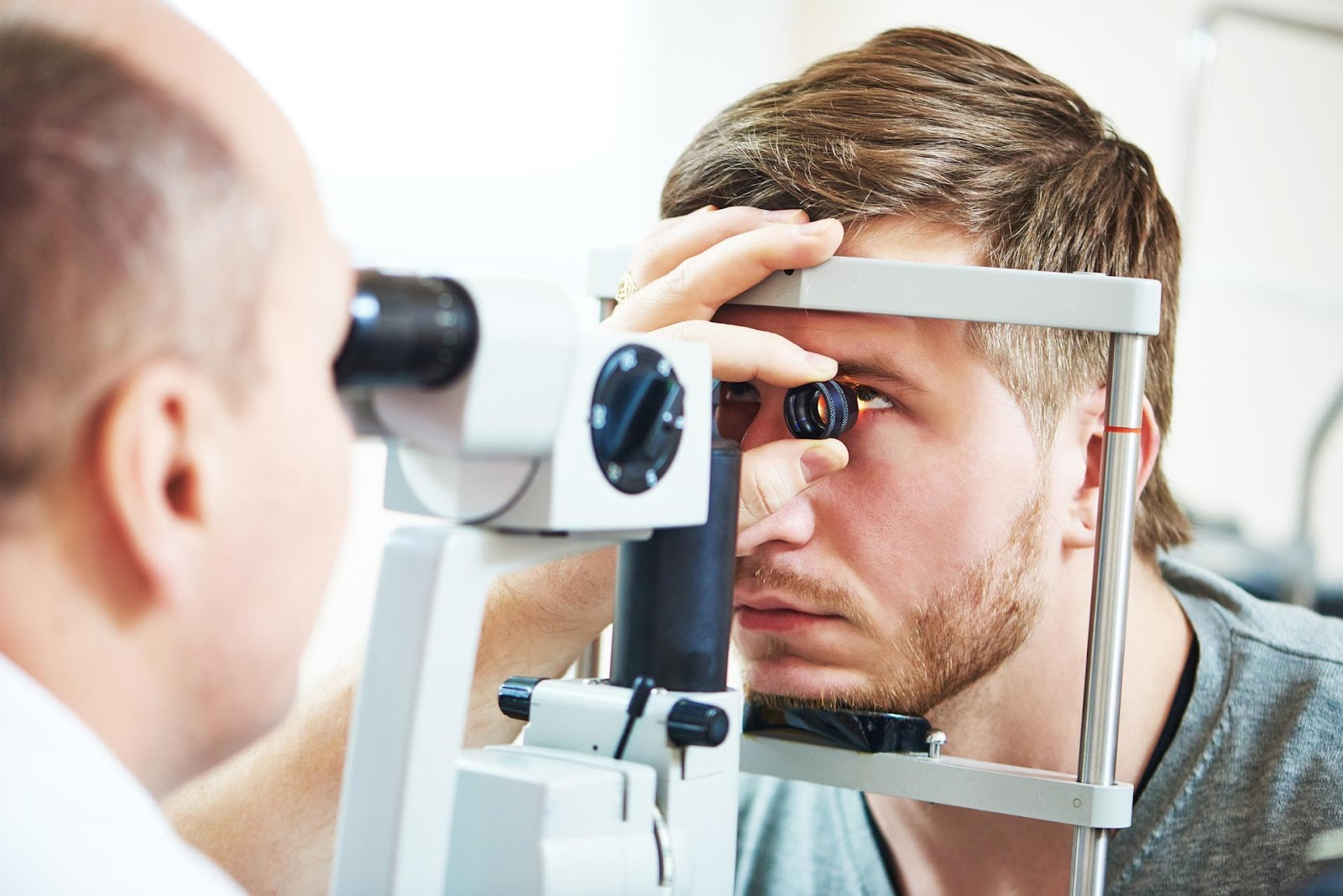 C:\Users\Właściciel\Desktop\do nowej strony ELMED\budowa oka\gf-V2La-8yBJ-vmkX_oftalmoskopia-czyli-badanie-dna-oka-tylnego-odcinka-oka-1920x1080-nocrop.jpg