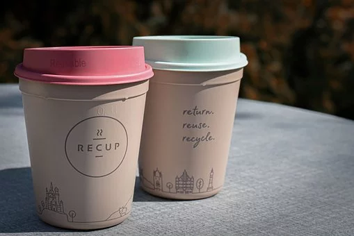Reusable coffee cups, perfect solution for zero waste living