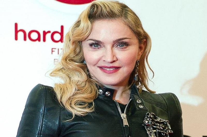 Madonna – $800 Million