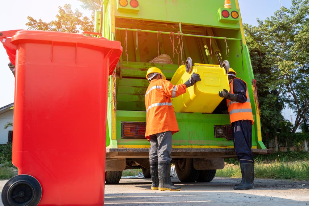 Coleta automatizada subterrânea reduz a necessidade de caminhões para coleta de lixo. (Fonte: Shutterstock)