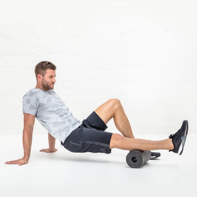 Что такое массажный ролик и когда его использовать ❯ Польза массажного валика для тренировок ❯ 8 упражнений для занятий с массажным роликом