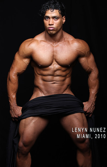 Muscle Hunk - Lenyn Nunez