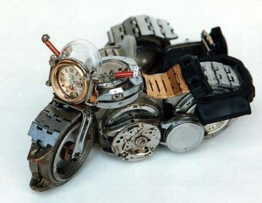 óra motor szobor