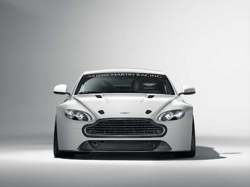 Aston_Martin_Vantage_GT4_2011_01_1024x768