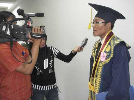 Wawancara dengan Media Massa