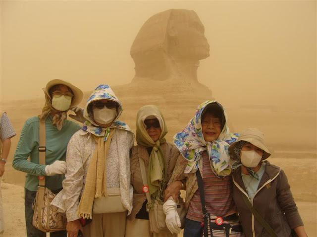 スフィンクスの前で砂嵐