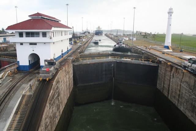 パナマ運河!