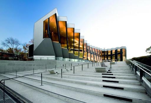 Medical center, Australia