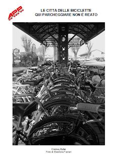 Mostra fotografica Le città delle biciclette qui parcheggiare non è reato