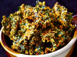 Kale and broccoli chips--an easy snack, a quick addiction!