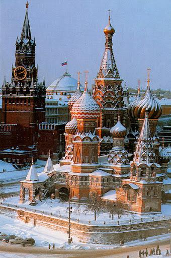 Храм-памятник в честь завоевания Казани - собор Василия Блаженного в Москве
