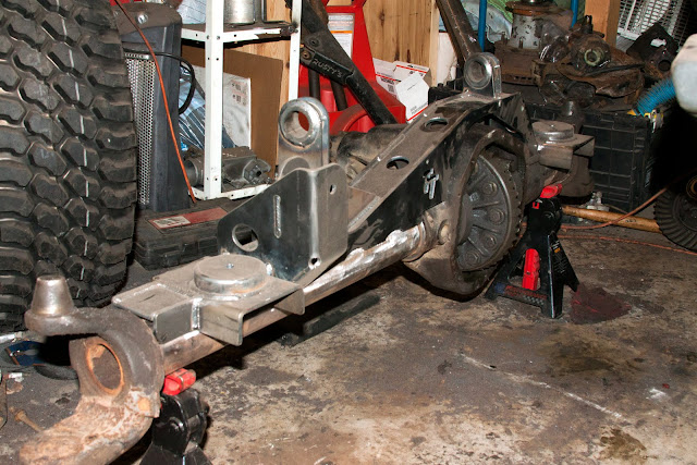 TJ Front Ford Dana 60 with TnT customs bracketry - Pirate4x4
