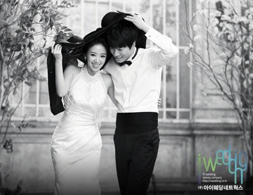ภาพถ่ายชุดแต่งงานของ Lee Chun Hee และ Jun Hye Jin
