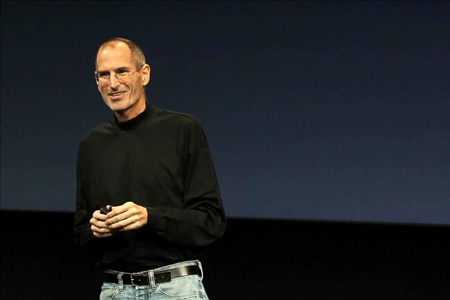 Apple CEO Steve Jobs unveils the latest improvements to the company's Mac software as it looks to increase market share gains against Microsoft Windows-based PCs during a news conference at Apple Inc. headquarters in Cupertino, California October 20, 2010.