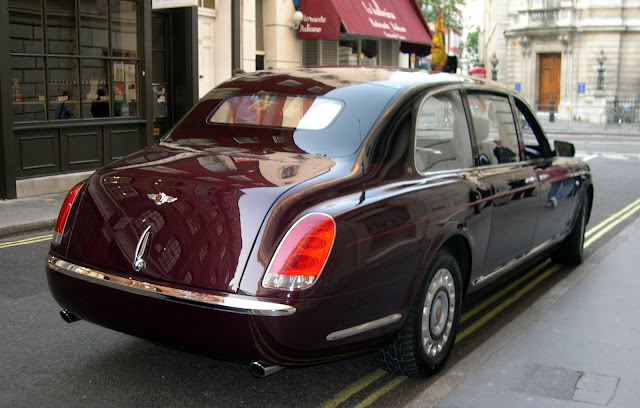 Bentley State Limousine Prince William and Catherine Royal Wedding Rolls Royce Phantom VI