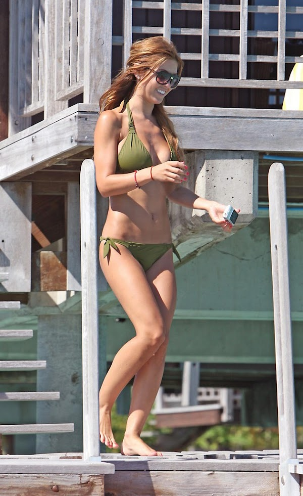 Audrina Patridge is on vacation in a bikini(bikini girl-3photos)3