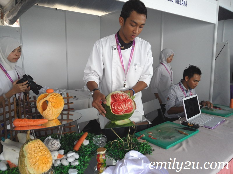 art of food carving