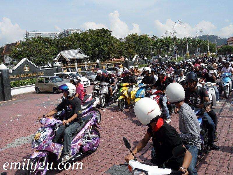 motorbike convoy