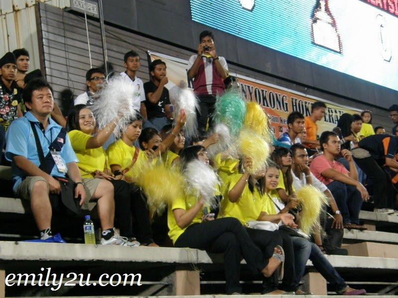 pom-pom fans