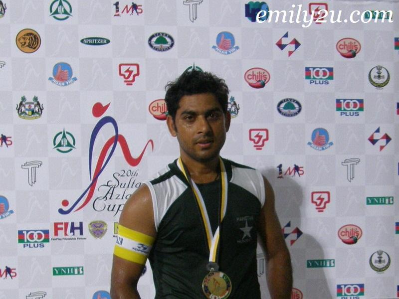 Pakistan hockey captain No 9 Shakeel Abbasi