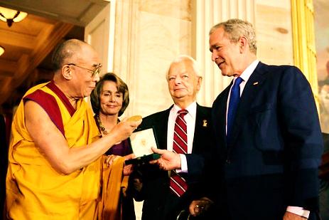 http://www.lebichson.org/Pics/dalailama-usa-2007-14.jpg