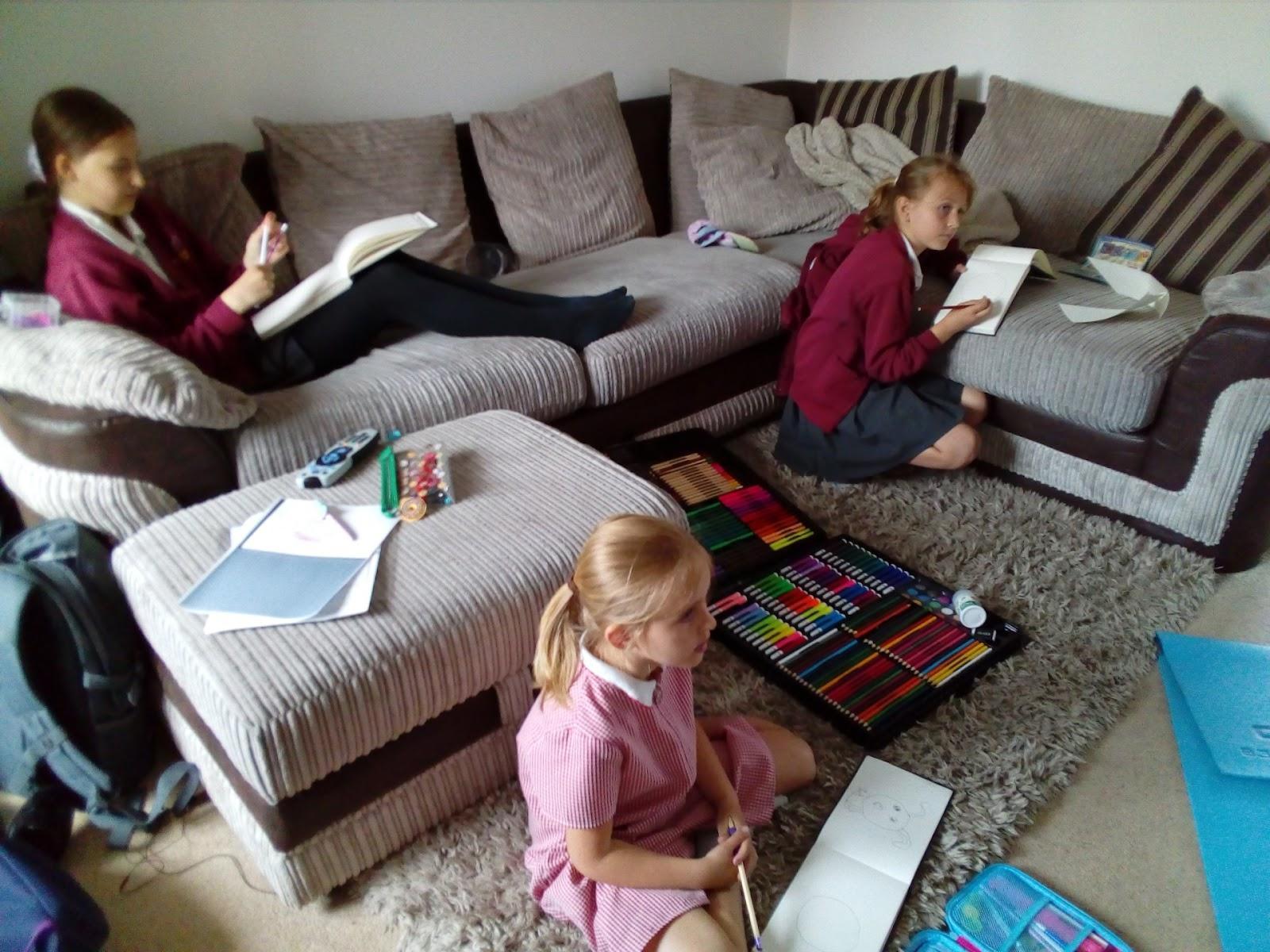 """(<img alt=""""Indoor Activities for Kids"""">)"""