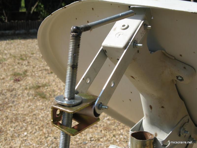 monture reglable pour parabole solaire IMG_1532
