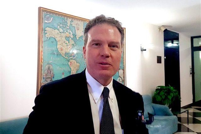 Miến điện: Ông Greg Burke khẳng định chuyến đi làm nổi bật tình hiệp nhất