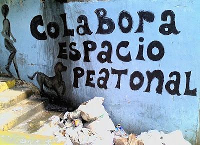 Arte contra basura en Pineda, a una cuadra de Miraflores (La Pastora, Caracas, Venezuela)