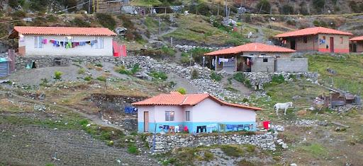 Casitas en el páramo de Chachopo a Apartaderos estado Mérida Venezuela