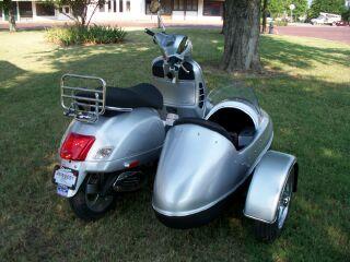 Modern Vespa : Vespa GTS 300 Sidecar