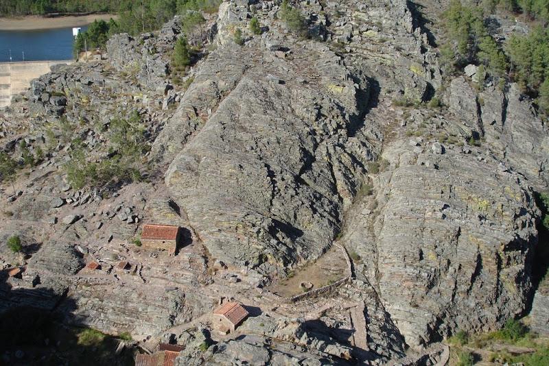 Vistas de los antiguos molinos de agua