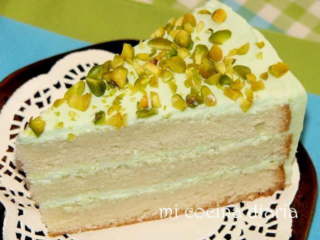 Tarta con pistachos (Бисквитный торт с фисташками)