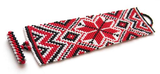 купить широкий браслет из бисера с этническим орнаментом