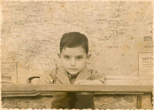 Ramón Guimerá Caballé, mi padre, en la escuela