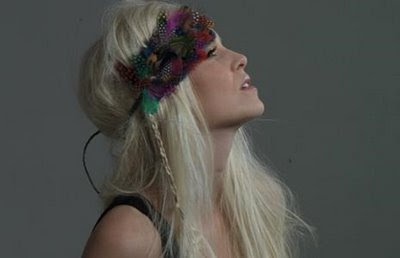 Diy Feather Headband © by the Luxury Voids