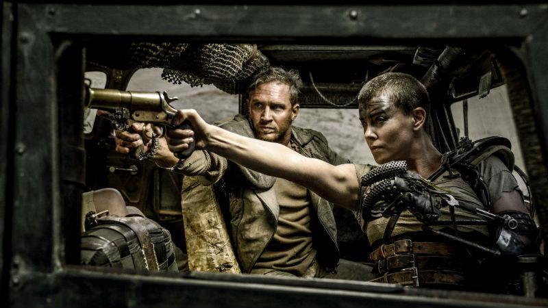 «Mad Max: Ο Δρόμος της Οργής» ονομάζεται η φιλόδοξη επιστροφή του τρελού Μαξ μετά από τριάντα χρόνια στην οθόνη. Τομ Χάρντι και Σαρλίζ Θερόν βρίσκονται στους πρωταγωνιστικούς ρόλους.