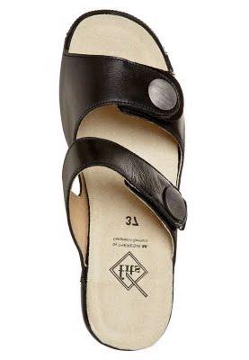 Theresia M. GILL Pantolette schwarz:Camel sandalen